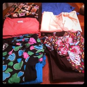5 PAIR OF USED SCRUBS SZ SMALL PLUS 2 extra PANTS